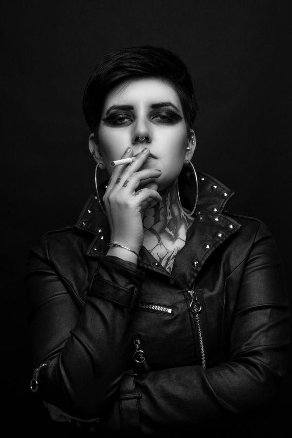 Cigarette, Gary Greteau