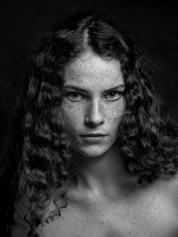 Juliette Freckles, Gary Greteau